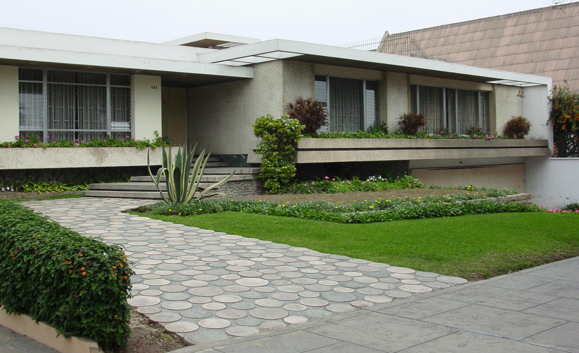 Alfredo baertl montori viviendas seleccionadas 1957 for Casas modernas lima